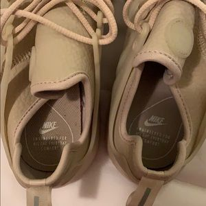 Nike Shoes - Tan/nude Nike prestos (Women's size 9)